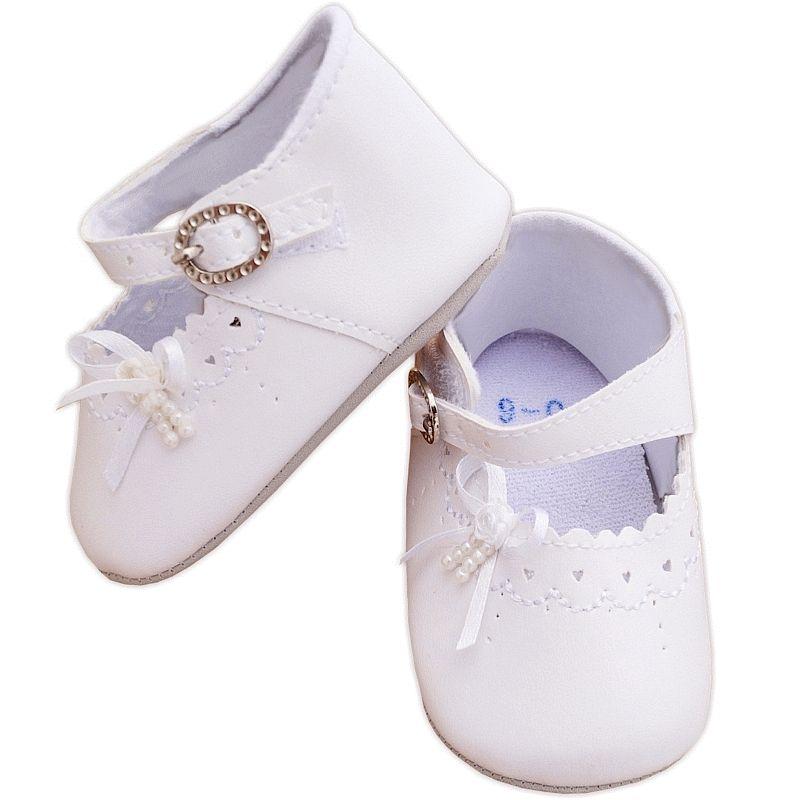 a90d0dc74f50d Chaussures de baptême fille blanches à bride Petits Cœurs à 9