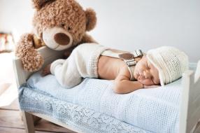 Peau fragile de bébé : les précautions vestimentaires
